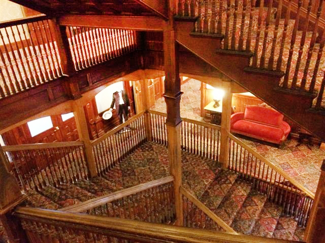 Mohonk - Main stairwell - beforeV2